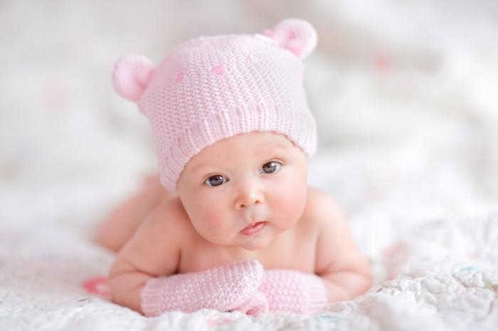 красивый здоровый малыш